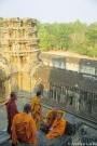 Monaci_ad_Angkor2.jpg