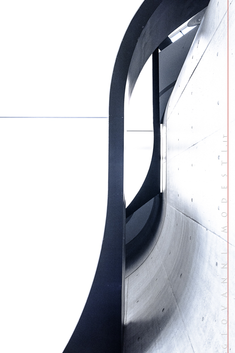 """La foto esposta - In esposizione al Maxxi di Roma Una mia fotografia, selezionata nell'ambito del contest """"L'italia di Zaha Hadid"""" esposta al Museo Nazionale delle Arti del XXI secolo MAXXI di Roma, dal 2 ottobre al 14 gennaio 2018."""